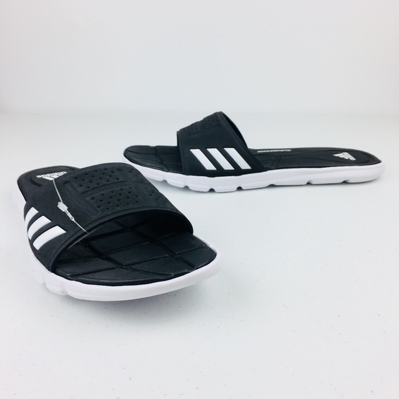 1a2c7e186320 NEW Adidas Black Slides
